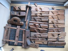 Various old block planes / profile planes