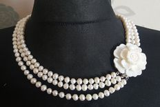 3 Strand Cultured Freswater Pearl Necklace - lengh ~50cm