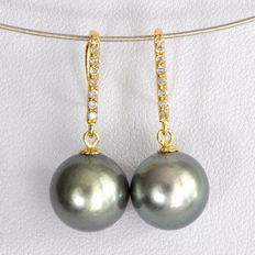 Tahitian pearl earrings – 10.8 mm with 0.16 ct – diamonds