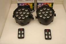 Set of 2x LED RGBW par spots with remote
