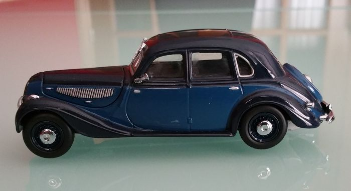 Minichamps - Scale 1/43 - Lot with 3 models: BMW 335 - 1939, BMW 507 ...