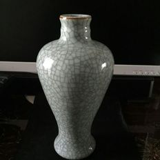 Crackleware vase - China - ca. 1920