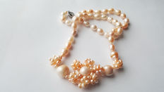 Beautiful Natural Cultured Freswater Pearl Necklace With Pendant