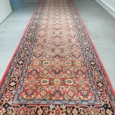 Beautiful Indo Bidjar runner rug, 303 cm x 82 cm, very good condition, with certificate
