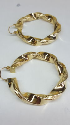 Gold twisted creole earrings of 14 kt –  4.5 cm