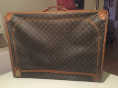 Vintage French Company Louis Vuitton suitcase