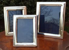 Lot of 3 photo frames in marked 800 silver - Italy, 20th cent.