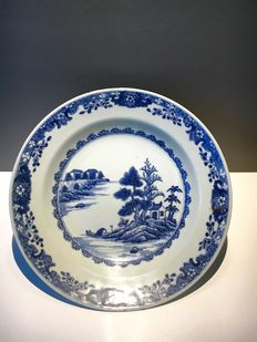 Porcelain river scene dish - China - 18th century