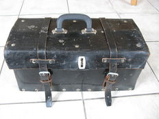 Leather tool case in good used condition - 46 x 20 x 20 cm