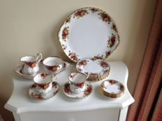 Royal Albert - tea tableware set, Old Country Roses