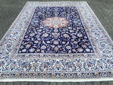 ROYAL NAIN with silk - approx. 344 x 248 cm - with certificate of authenticity - 21st century