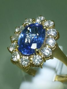 Gold, sapphire and diamond ring - size 52