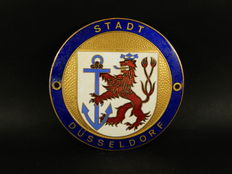 Very nice Enamel on Brass German Town of Dusseldorf Auto Car Club Badge