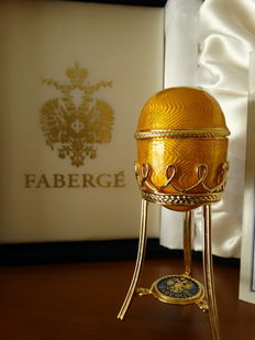 Fabergé -  Imperial Egg Fabergé  -gold plated 24 Kt  -Diamond Rabit eyes