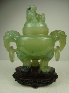 Serpentine censer on a stand - China - ca. 1970