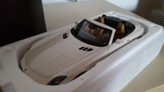 Norev - Scale 1/18 - Mercedes-Benz SLS AMG Roadster - White