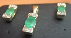Set with earrings plus a pendant made of gold with diamond and emerald