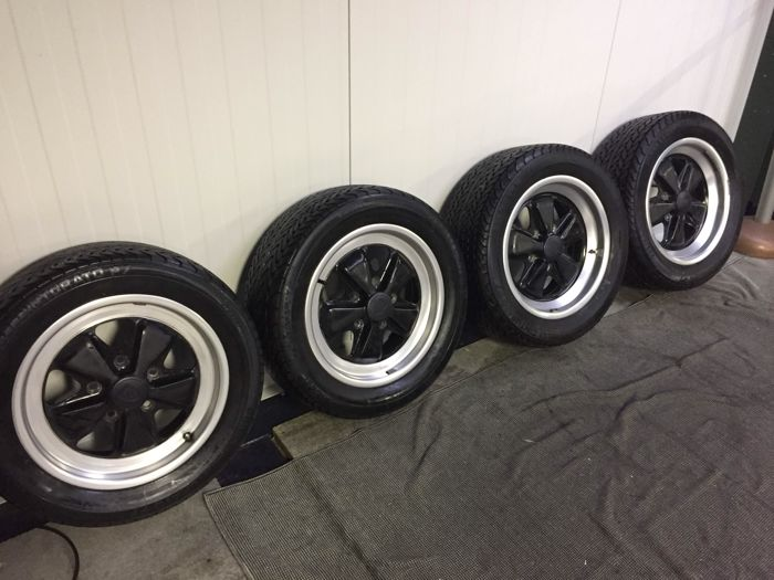 Porsche - Set Fuchs wheels 16 inch - set with Pirelli tyres - 205/55 and 225/50 VR 16 -