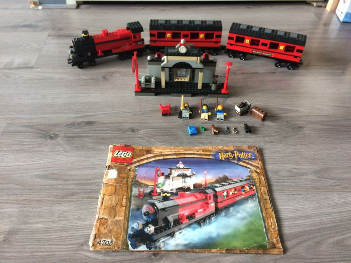 Harry Potter - 4708 - Hogwarts Express + extra wagon