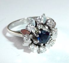 Gemstone ring made of 14 kt / 585 white gold with sapphire and 8 brilliant cut diamonds 0.40 ct