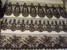 Lot of 3 - antique Chantilly-lace - France - 2nd half of 19th century.