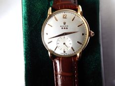 Rolex montres, geneva, very high grade. gent's Swiss wrist watch. circa 1940s {ref no 115}