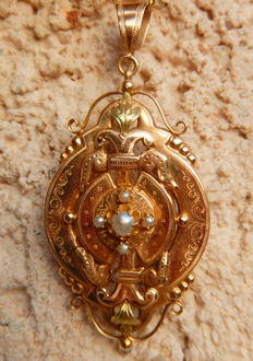 Pendant/brooch from Napoleon III era in 18 kt green and rose gold, antique handmade item of jewellery