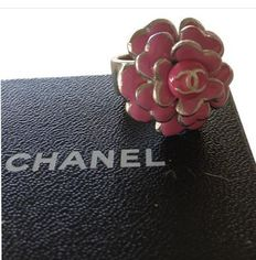 Chanel - Camelia ring in silver and pink enamel, limited series