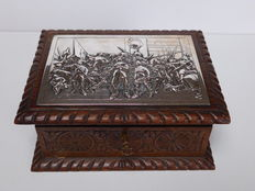 Oak wedding chest with silver night watch, c. Schoorl, Zaandijk, 1875-1914
