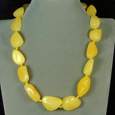 Yellow Baltic Buttercotch amber necklace, 69 gram