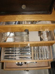 van Kempen & Begeer, Keltum, extensive very heavily silver plated case for 12 persons