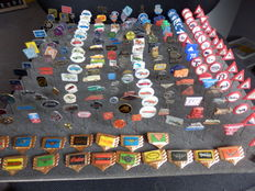 Large collection of 223 x automobile and transport pins Fiat, Wolsely, Renault, Zundapp, Indian, Daimler, MG, Simca, Jaguar and many others