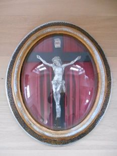 Crucifix in frame from 1920