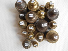 Lot of 18 brass weights - Holland - Ned. Onsen etc - calibrated v.a. 1832