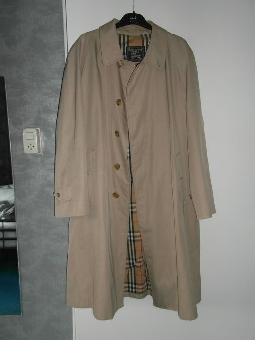 Burberry – Trench coat.