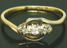 Diamond Trilogy - 18K Yellow Gold Old Mine Cut, 3 Diamonds set in Platinum 0.27 CT SI1H