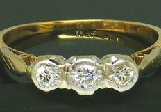 Diamond Trilogy - 18K Yellow Gold & Platinum Head Old Mine Cut, 3 Diamonds 0.38 CT VS2H *** NO RESERVE PRICE ***