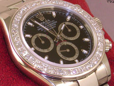 Custom made diamond bezel for rolex daytona set with 9,00ct. of  F/ VS1 princess cut diamonds