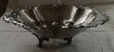 Centrepiece and pewter silver fruit bowl