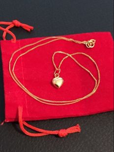 18K gold necklace with heart pendant