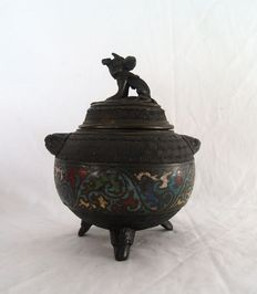 A bronze champlevé incense burner - Japan - approx. 1920