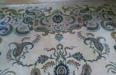 Very merkable and collector hand knotde Persian carpet head city Kashan oversize 302×403cm