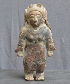 Pre-Columbian pottery figure, standing lady - 21,4 cm