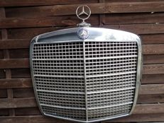 Mercedes-Benz radiator grille - approx. 65 x 63 cm - approx. 1965-1975