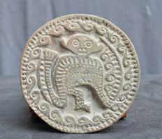 Pre-Columbian pottery large stamp seal with a decor of a monkey - 10,4 cm