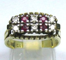 0.26 ct. W/VSI Brilliant- 0.16 ct. Ruby ring size:  55/17.5 mm 14 kt /(585 yellow gold