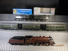 Märklin H0 - 3111 - Steam locomotive BR18 of the SNCB and 5 compartment carriages
