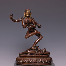 Beautiful large bronze sculpture of a dancing dakini - Tibet / Nepal - 19th century