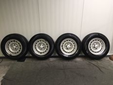 Mercedes-Benz - Barock crown wheels - 6.5 x 14 inch - with tyres type 205/70 R14 - (1981)