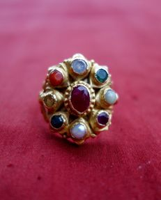 Antique gold ring with precious stones-navaratna, India